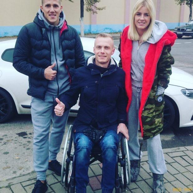 житель Лиды Артем Найден приехал в Минск со своей супругой