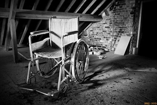 """Латвийских инвалидов хотят снять с """"иглы"""" пенсий"""
