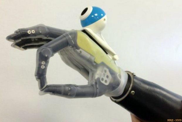 Новый бионический протез — «всевидящая рука»