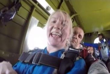 Колясочница прыгнула с парашютом в компании «СкайДайв Трэвел»