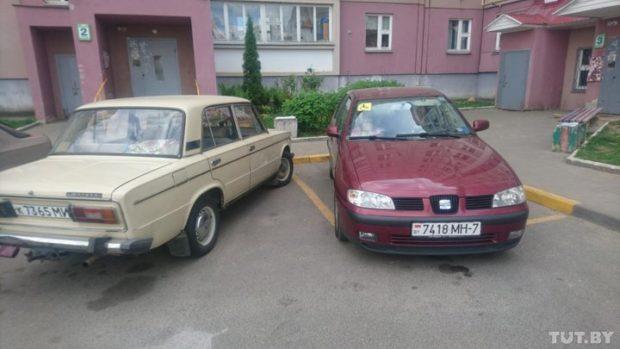 """Минчане борются за парковку у подъезда для инвалидов. Сделали проект за 100 долларов, но """"денег нет"""""""