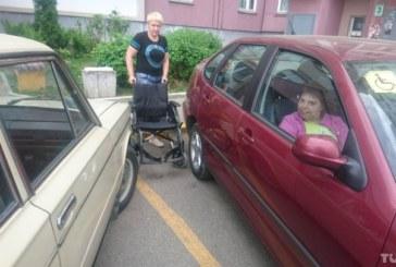 Минчане борются за парковку для инвалидов у подъезда
