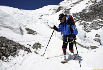 Новозеландец Марк Инглис без ног покорил Эверест