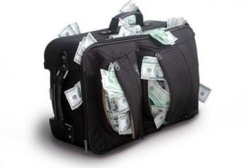 Найдя кейс с деньгами и золотом, отнёс его в полицию