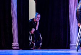 Танцоры на колясках собирают деньги на лечение остеомиелита