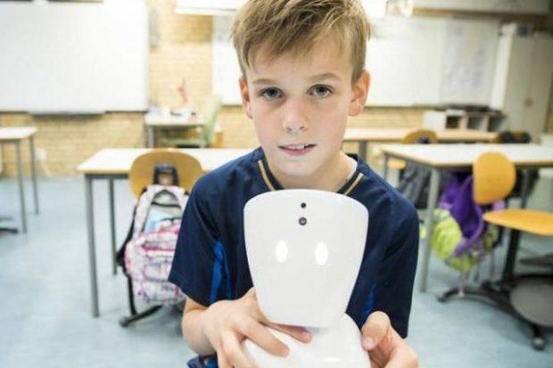 Робот AV1 с эффектом телеприсутствия помогает больным детям бороться с одиночеством