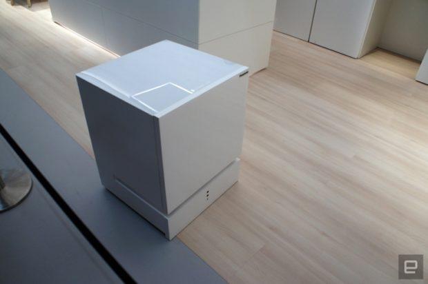 IFA 2017: робот-холодильник Panasonic с голосовым управлением