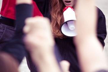 Родители детей со СМА проводят акцию протеста возле минфина