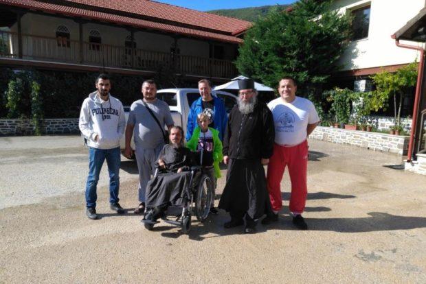 Вместе с отцом Иосифом, экскурсоводом Александром и другими