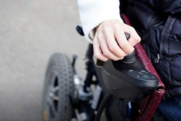 В Чувашии инвалида-колясочника переселили на третий этаж дома без лифта