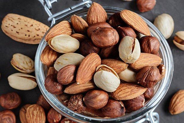 Пригоршня орехов дважды в неделю снижает риск сердечных заболеваний