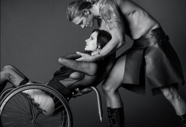 Эротика и инвалидность - Аарон Пол Роджерс