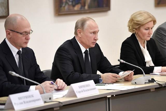 Путин: инвалидам должны предоставить все возможности на выборах