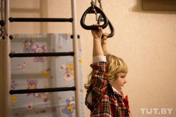 Игорь и Таня Стрига -  Когда влюбляешься, коляску перестаешь замечать