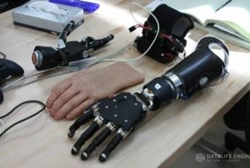 Экзоскелет руки, управляемый силой мысли