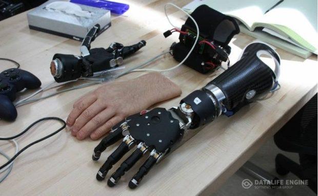 Ученые: Созданы протезы рук, управляемые силой мысли