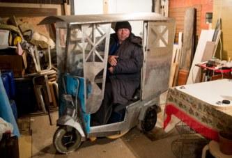 Кто ездит на странной коробчонке по Минску
