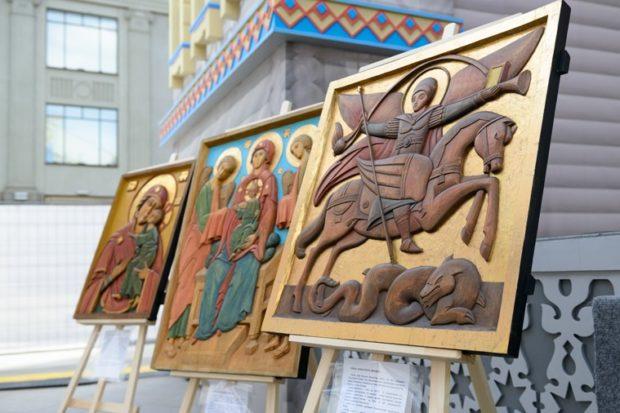 В российских храмах появились тактильные иконы