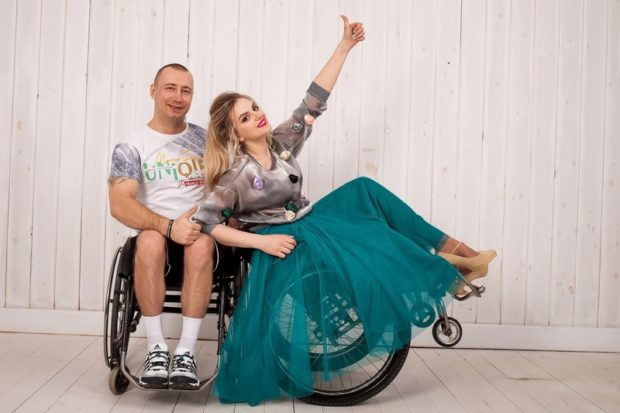 «Друзья на колесах» Дуэт Михаила Четвертакова и Алены Бекишевой из Дзержинска