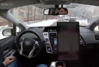 Беспилотный автомобиль Яндекс.Такси в зимней Москве
