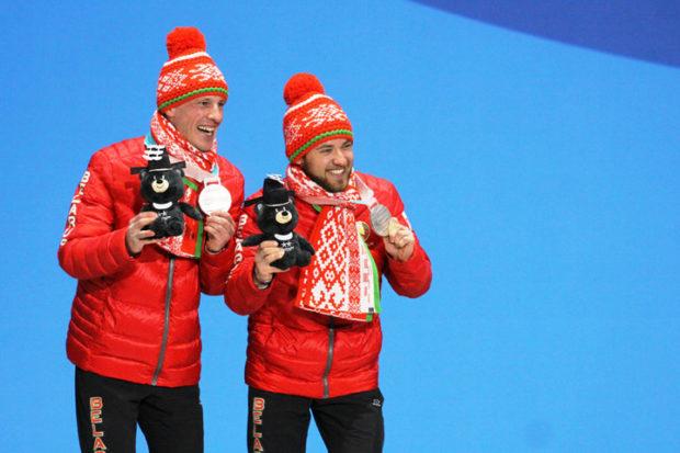 Юрий Голуб (нафото справа) сосвоим лидером Дмитрием Будиловичем