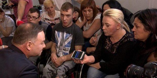 В сейме Польши протестуют родители и опекуны инвалидов
