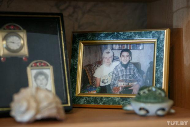отсутствие семейного тыла изаботы родных научило еебыть самостоятельной