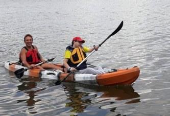 Новосибирский колясочник совершил заплыв на каяке