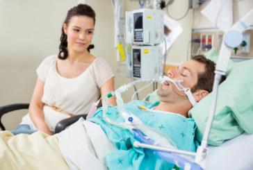 В реанимации московских больниц допустят родственников