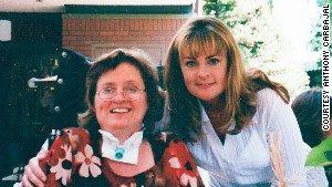 Бабушка Энтони Карбаджала Мари Доран сего мамой.