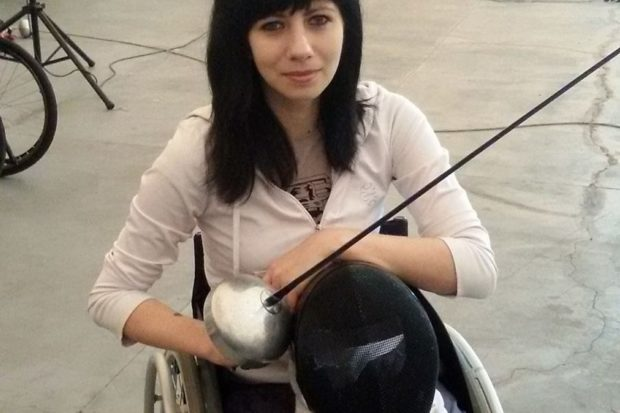 член паралимпийской сборной Украины по фехтованию, бронзовая медалистка Чемпионата мира Анна Пашкова