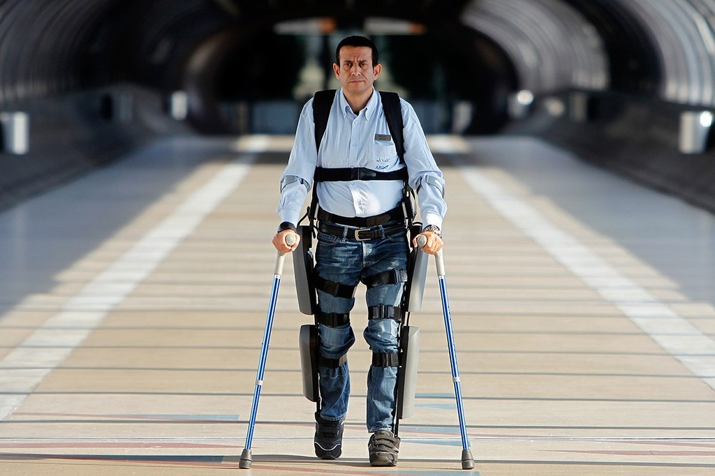 Экзоскелет для человека с инвалидностью