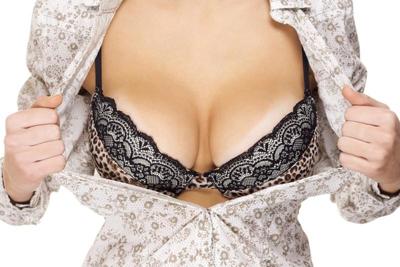 Терапия созерцания женской груди продлевает жизнь