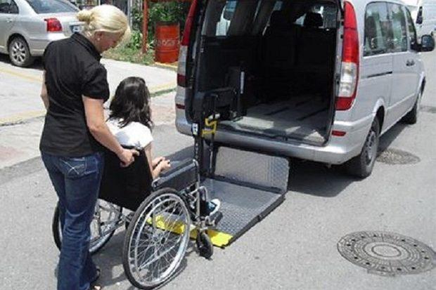 В городе Оби появилось бесплатное социальное такси для инвалидов