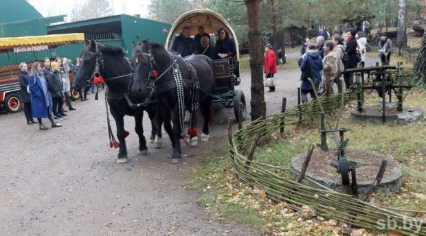 Территория усадьбы «Кони-пони» полностью оборудована для колясочников