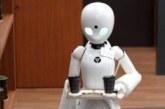 Роботы-официанты под управлением парализованных людей