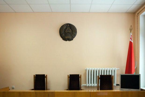 Родители Веры Званько судятся с Минздравом за право признать необходимость лечения за границей