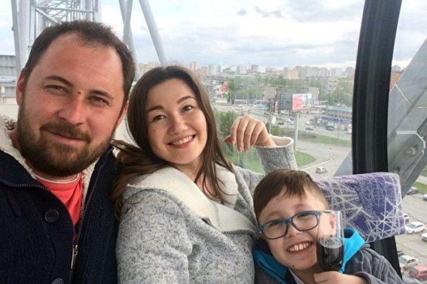 Давид Мухутдинов с мамой и папой