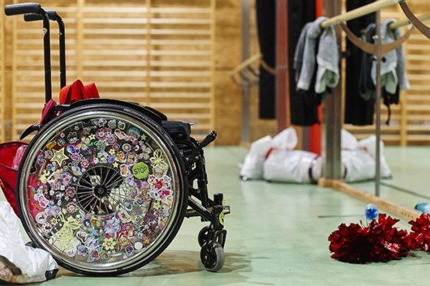 Глава Марий ЭлАлександра Евстифеева подарила коляску для танцев