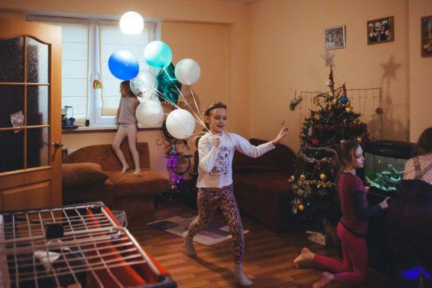 Двойняшки Вита иМила ходят втретий класс, Юля вэтом году пойдет впервый
