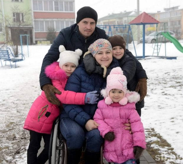 Многодетная семъя Мохор. Любовь, Константин, дети Влад, Вероника, Кристина, Ярослав.