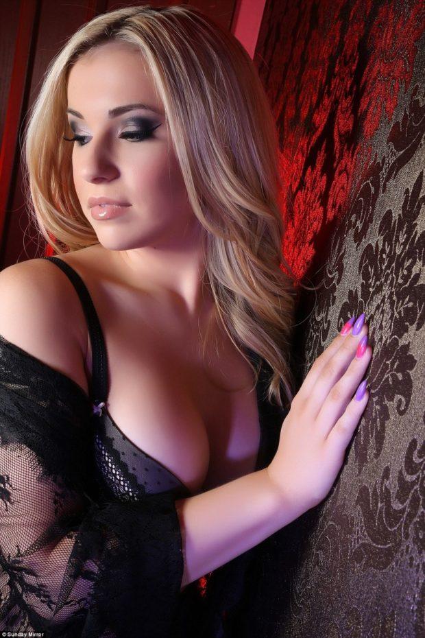 Facebook взволнован сексуальностью Вики Балч