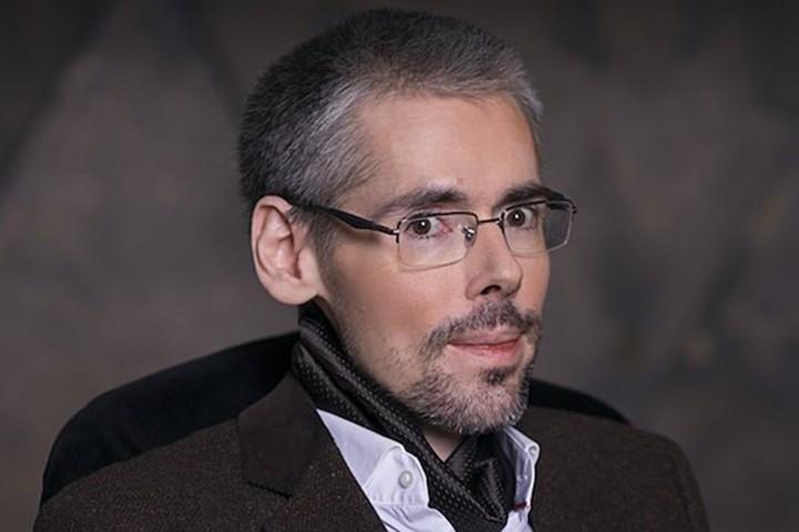 Илья Максимов - Поэт и журналист