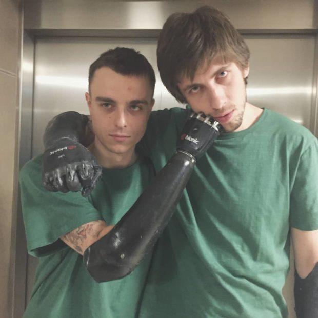 Константин Дебликов - Парень с бионическими руками