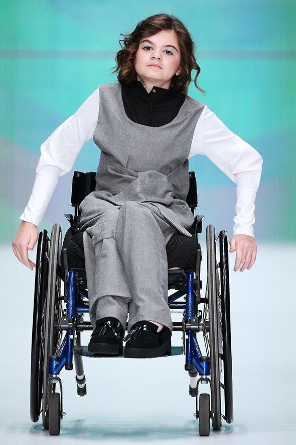 17-летняя Дженнет Базарова меняет отношение к людям с инвалидностью