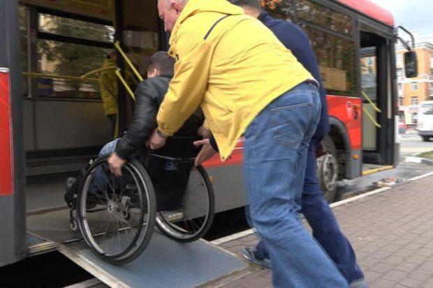Инвалид-колясочник испытал безбарьерную среду Балашихи
