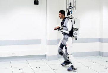 Мозг парализованного подключили кэкзоскелету