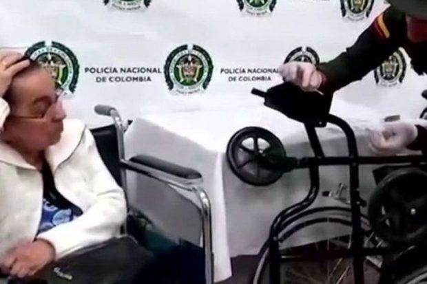 Пенсионерка приехала в аэропорт на начиненной кокаином коляске