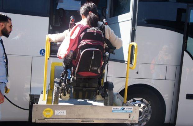 из центра Марселя до аэропорта автобус с подъемником уже платный