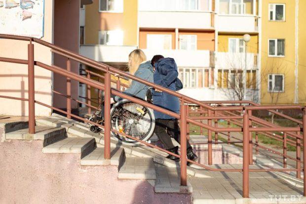 Симона Сусло - Красавица, байкерша, колясочница
